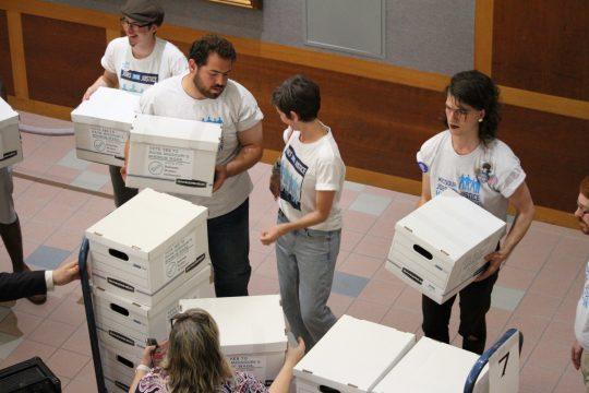 Raise up Missouri turns in signatures for initiative petition (ALISHA SHURR/THE MISSOURI TIMES).