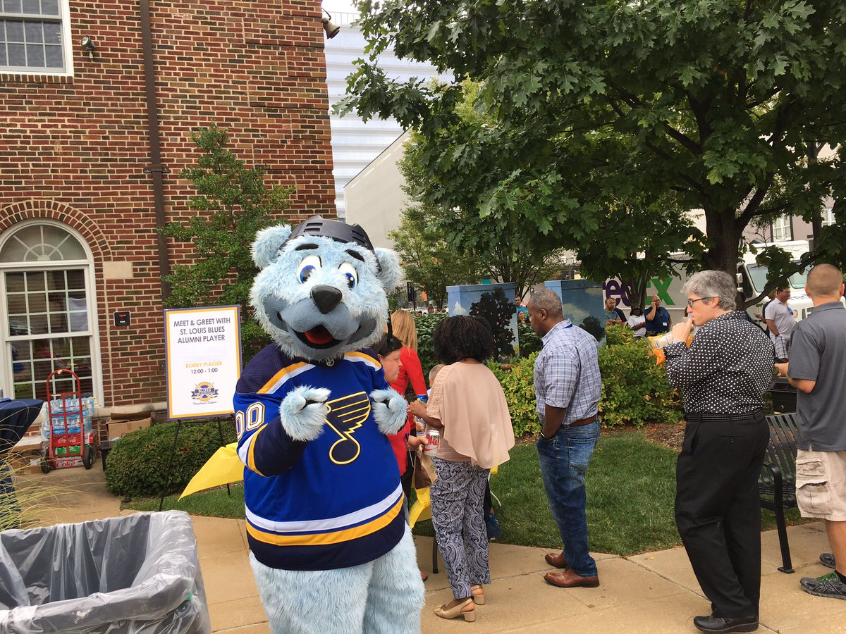 The city of clayton helps kickoff the blues 2017 2018 season the city of clayton has officially started to bleed blue on friday as the city hosted a kickoff event for the st louis blues home opener m4hsunfo