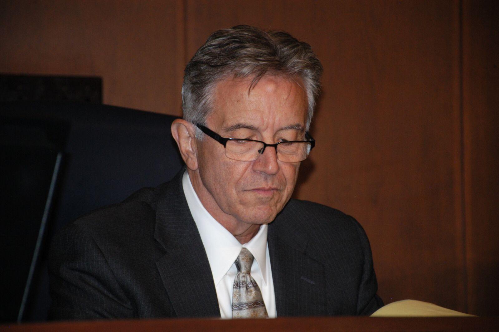 migliore qualità Stati Uniti sporchi online di bell'aspetto St. Charles judge sets date for hearing to decide whether Trakas ...